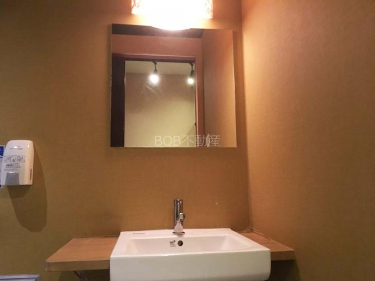 トイレにある洗面台の画像