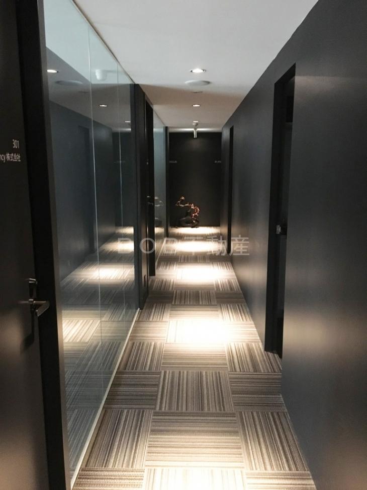 オシャレな共用廊下の画像