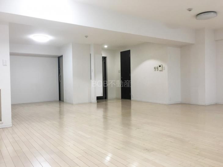 白基調の室内の画像2