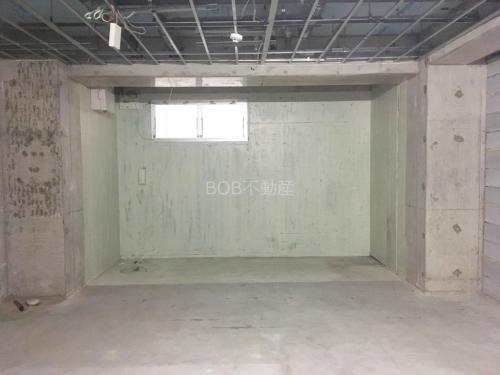 コンクリート打ちっぱなしの店舗内画像2